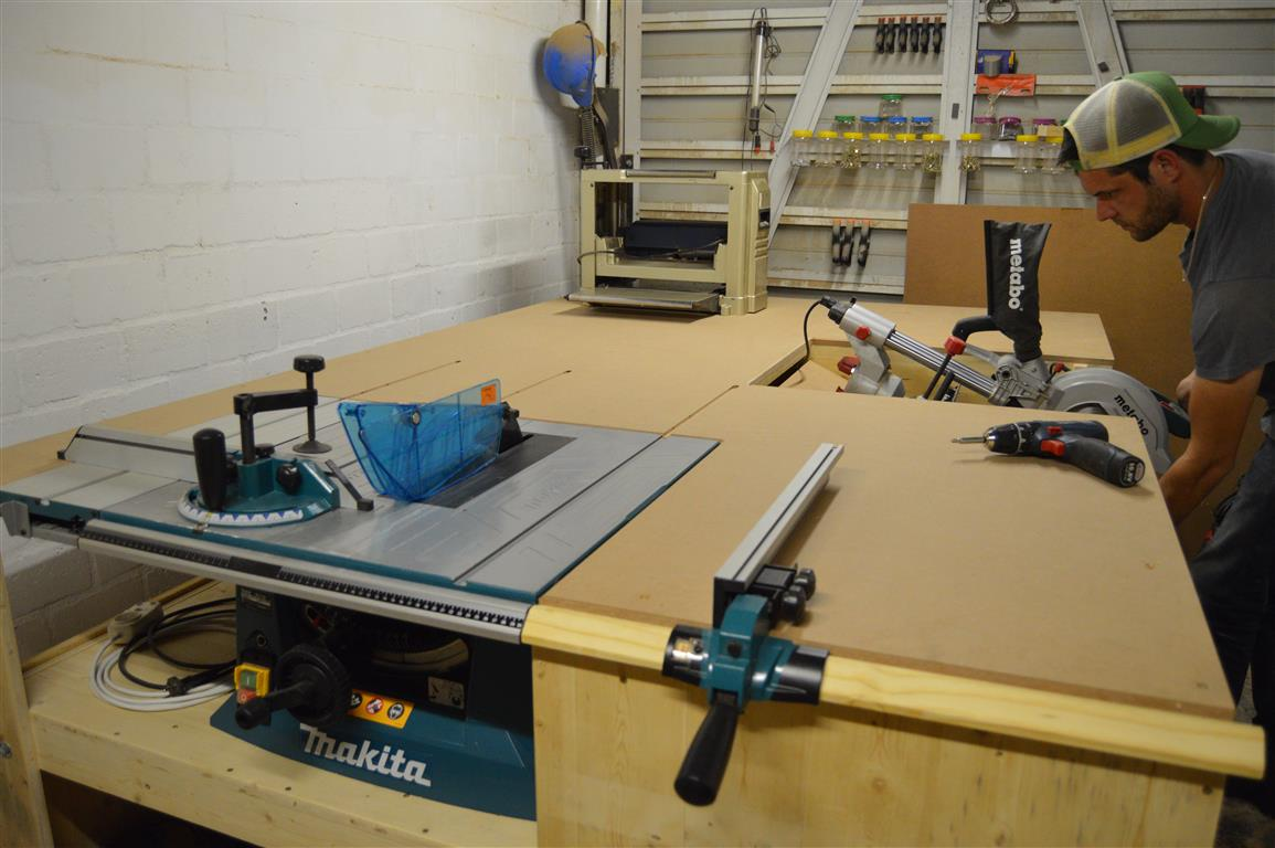 no clash miter saw installed to table saw outfeed table all in